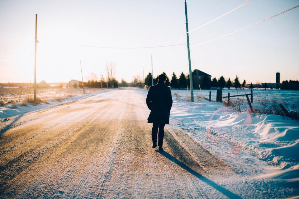 road, trees, snow, man, guy, eyeglasses, back, path, post, house, bokeh, grass, winter