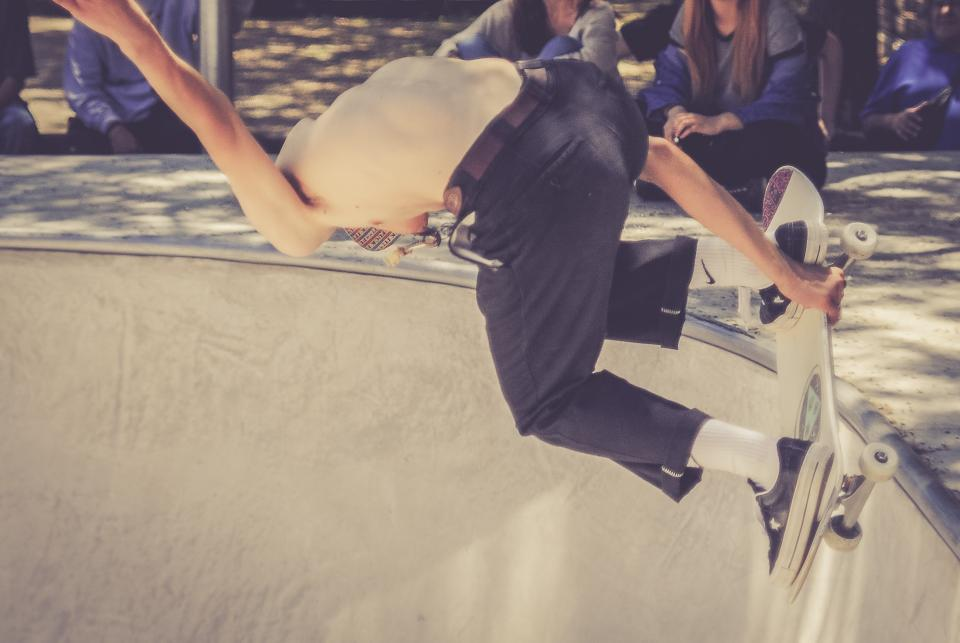 guy, man, male, people, skate, ride, thrasher, skateboard, spectators, audience, hobby, sport