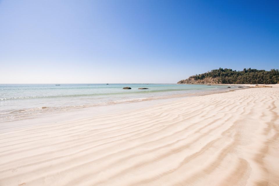 beach summer blue sand tropical holidays burma ngapali water ocean sea paradise warm heat clear sky sandy