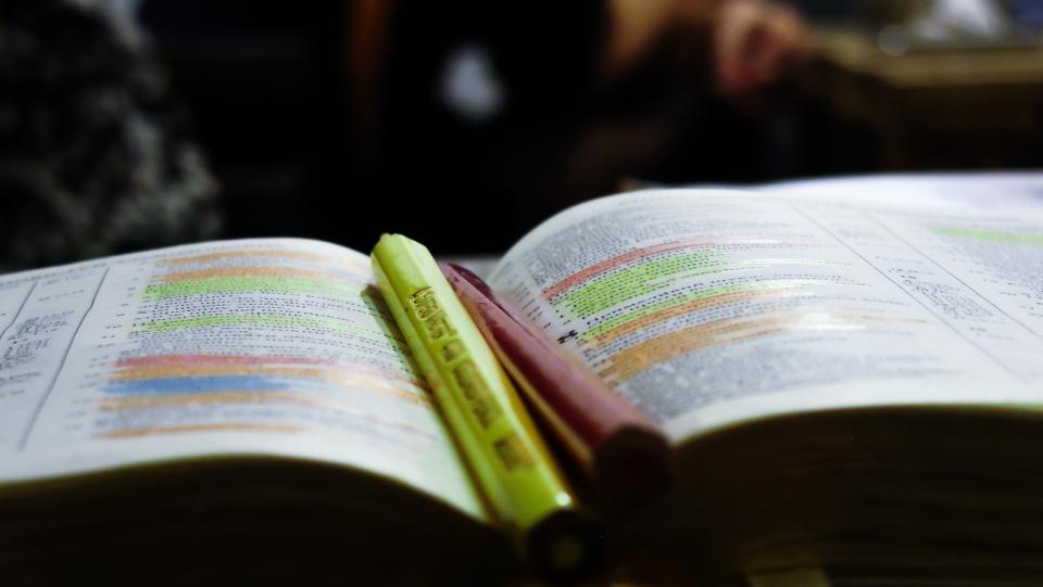 book marker reading blur