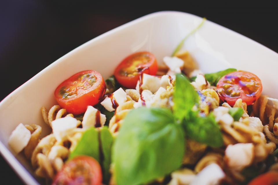 pasta salad food tomatoes healthy lunch dinner bowl