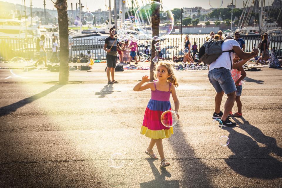 people, men, women, kids, children, street, park, family, friends, picnic, sunny, sunlight, bubbles, tree
