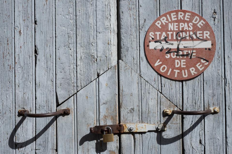 wall, lock, steel, wood, sign, board, sunny, summer