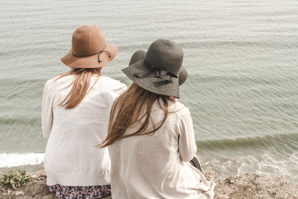 girls women woman people hats fashion beach sand water shore friends beauty