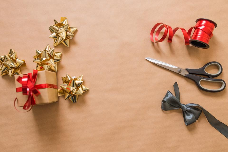 scissors gift red ribbon accessory christmas holiday
