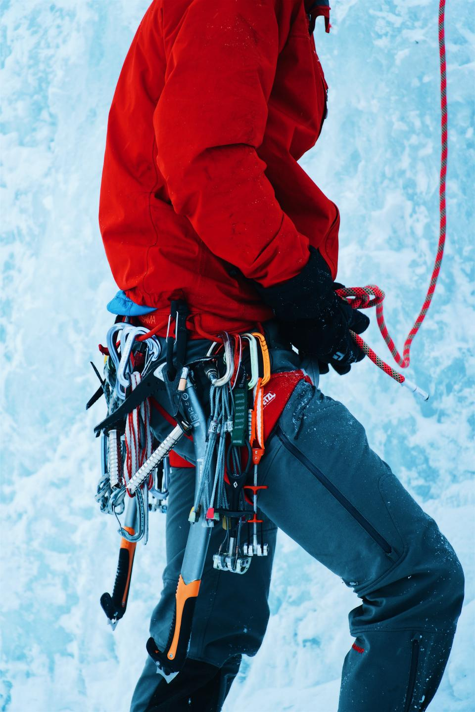 snow, winter, white, cold, weather, ice, nature, people, man, climb, mountaineer, gears