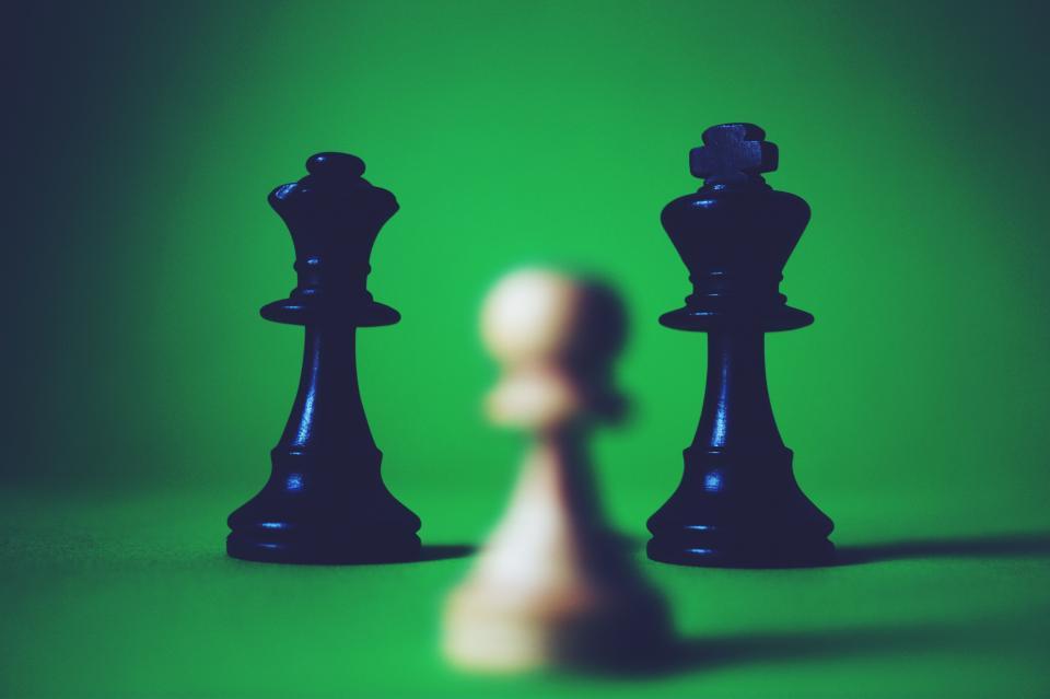 piece, chess, game, black, white, queen, contrast, sport, blur