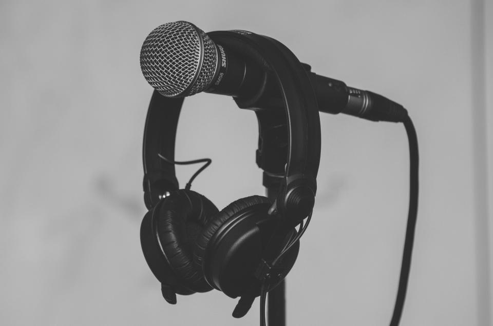 microphone black and white headset headphone music