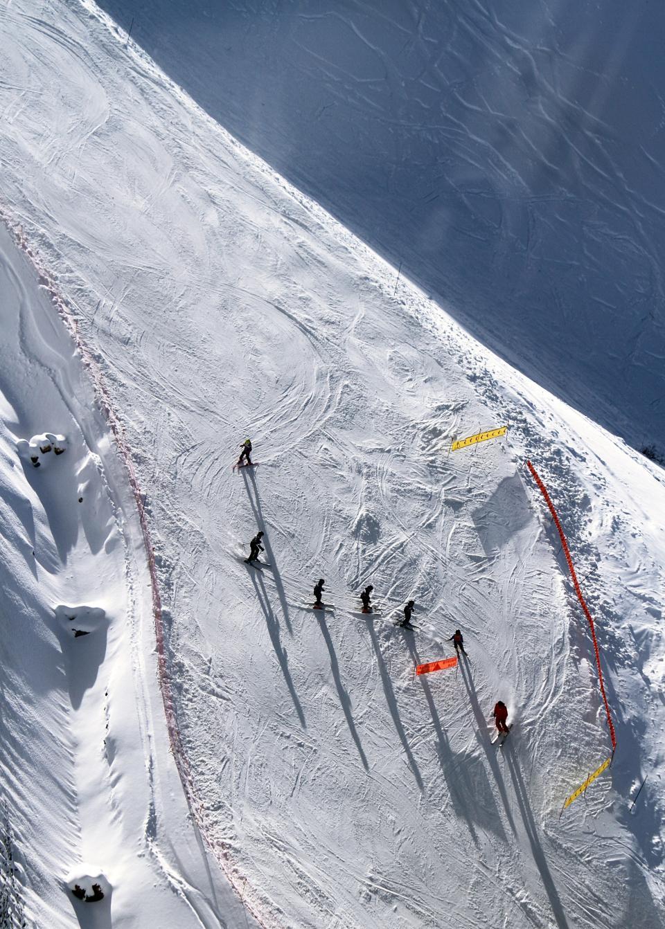 ice, skiing, skier, ski, run, sunny, snow, winter, people, men, sport, mountain