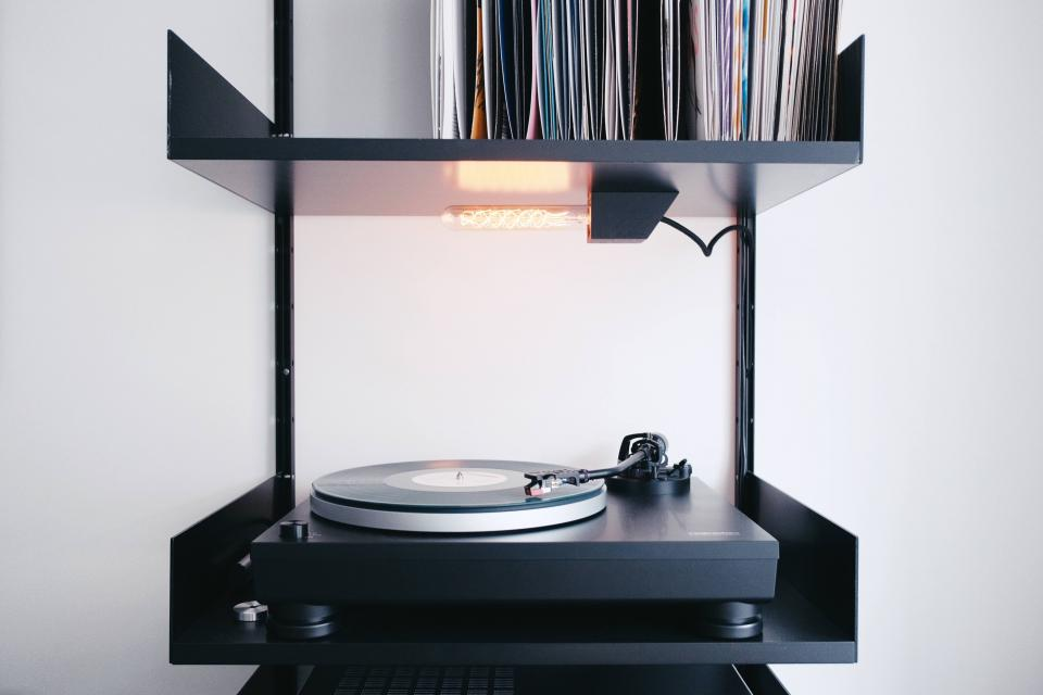 vinyl, music, sound, old, technology, record, vinyl player, black, white, aesthetic