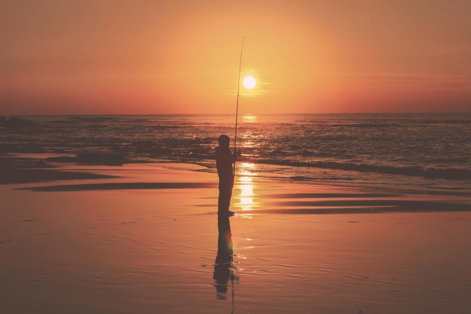 sea, ocean, water, horizon, dark, sky, cloud, sunset, nature, travel, outdoor, people, man, fishing, silhouette, reflection