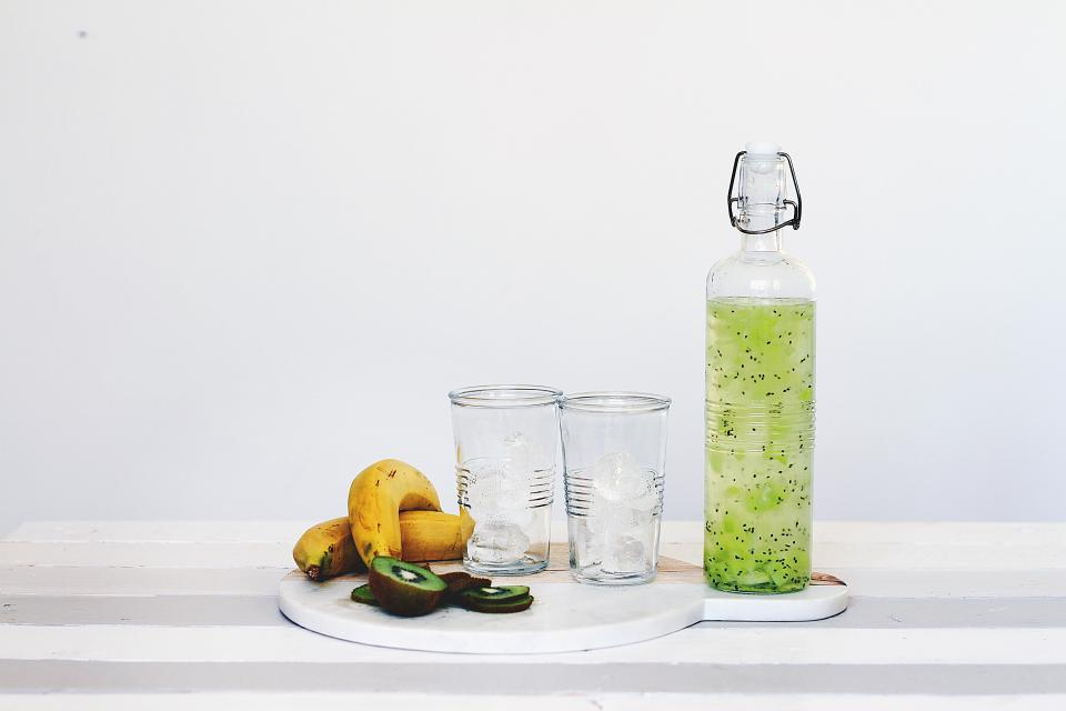 dieting, glass, bottle, water, juice, banana, kiwi, fruit, food, health