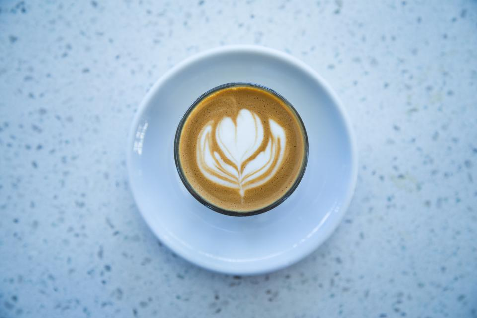 coffee cafe latte cappuccino flower froth plate