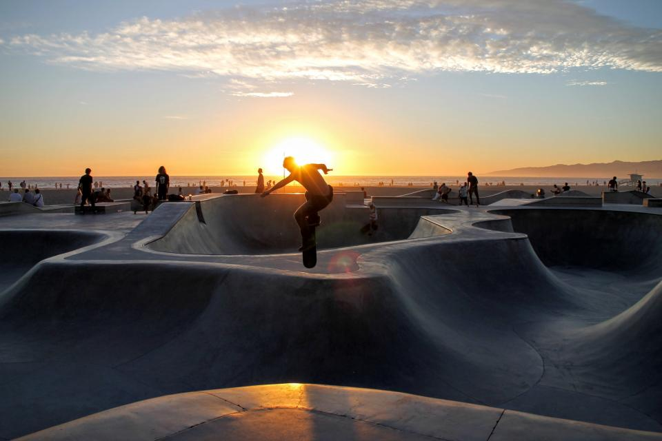 skateboard, people, guy, skateboarding, sport, venue, horizon, sky, clouds, sunset, sunrise, sunlight