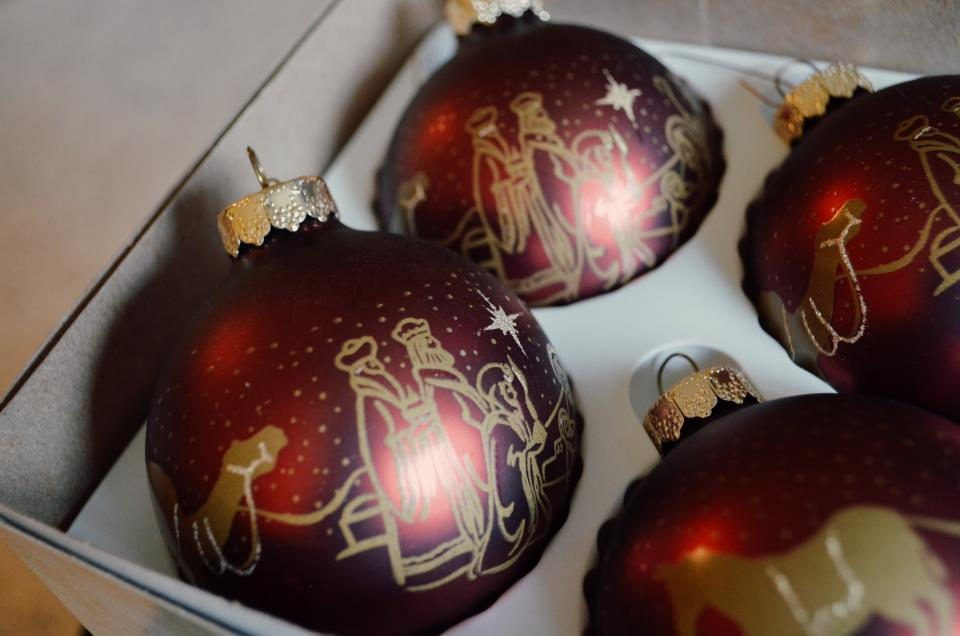 balls, christmas, christmas ball, red, holiday, festival, celebration, happy