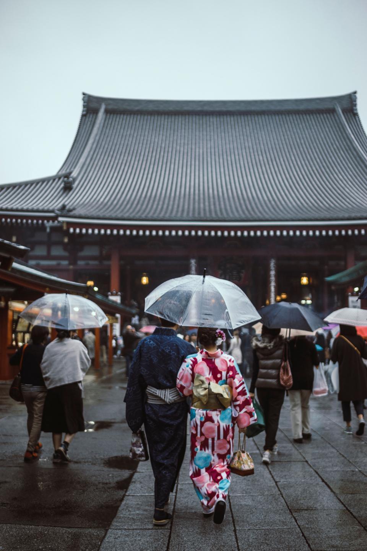 asian, people, women, girls, kimono, japanese, lantern, travel, trip, handbag, street, temple