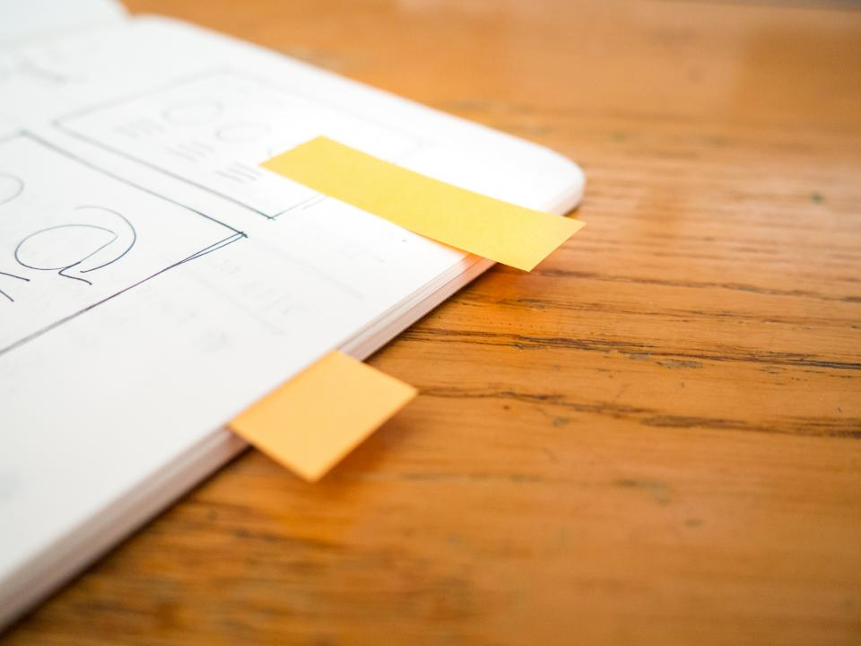 tabs sticky notes design mockups notebook notepad business office desk wood work