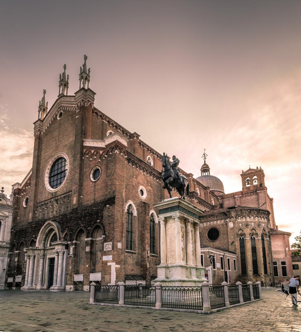 architecture, building, infrastructure, church, cathedral, landmark, catholic, religion, faith, blue, sky, cloud