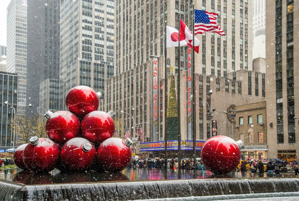 architecture, buildings, infrastructure, sky, christmas, ball, holiday, season, ornament, decoration, water, fountain, wet, mall, people, shopping, men, women