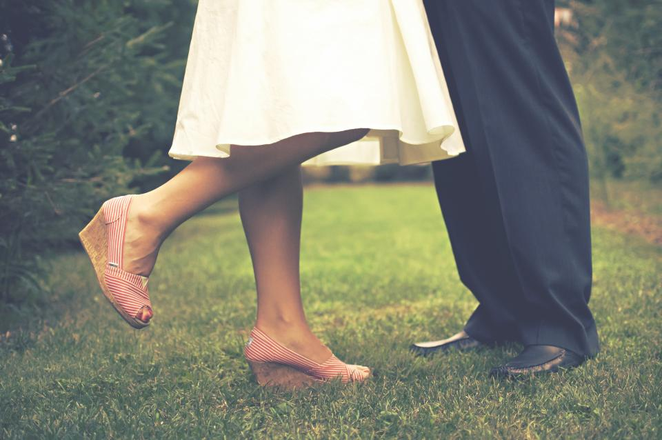 bride groom marriage couple love romance wedges grass people family