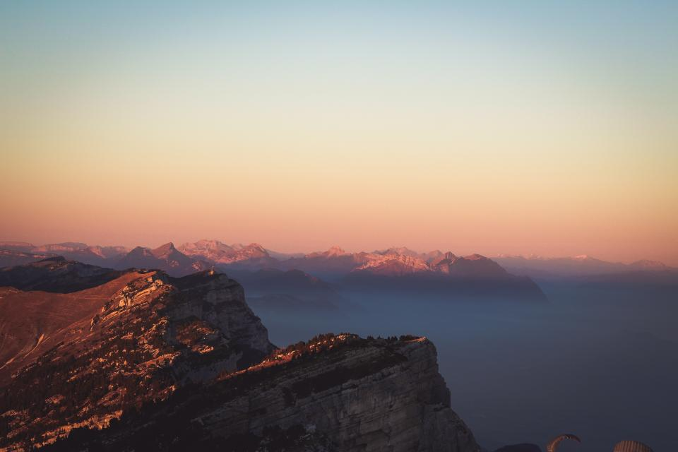 rock hill ridge peak mountain landscape sunset sunrise fog