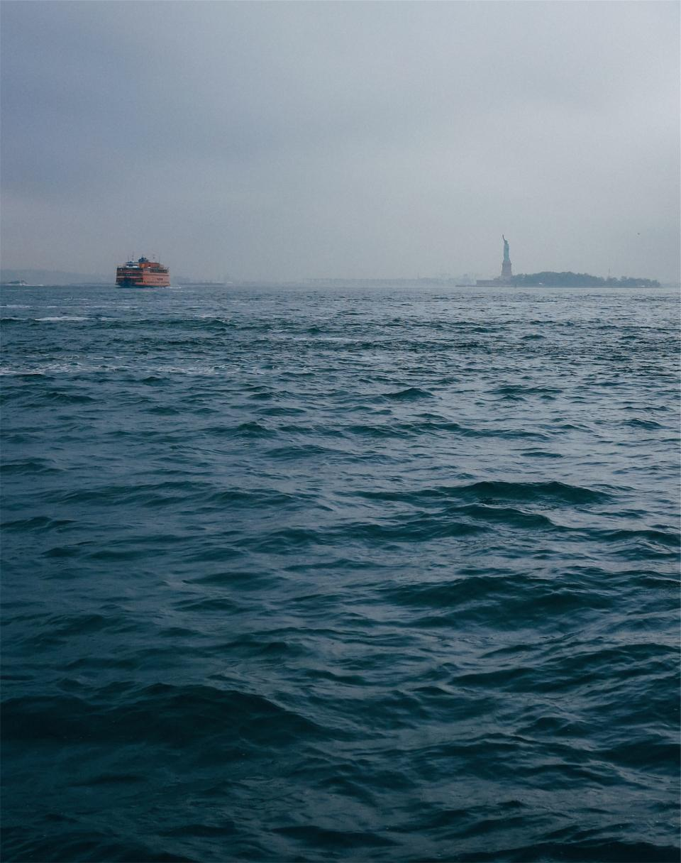 statue of liberty, liberty island, water, boats, New York, NYC, USA, United States of America