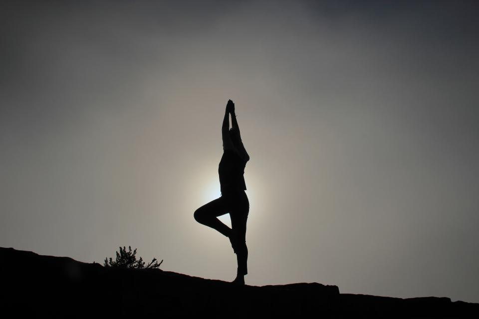 taichee yoga fitness stretching exercise silhouette shadow dusk sky people