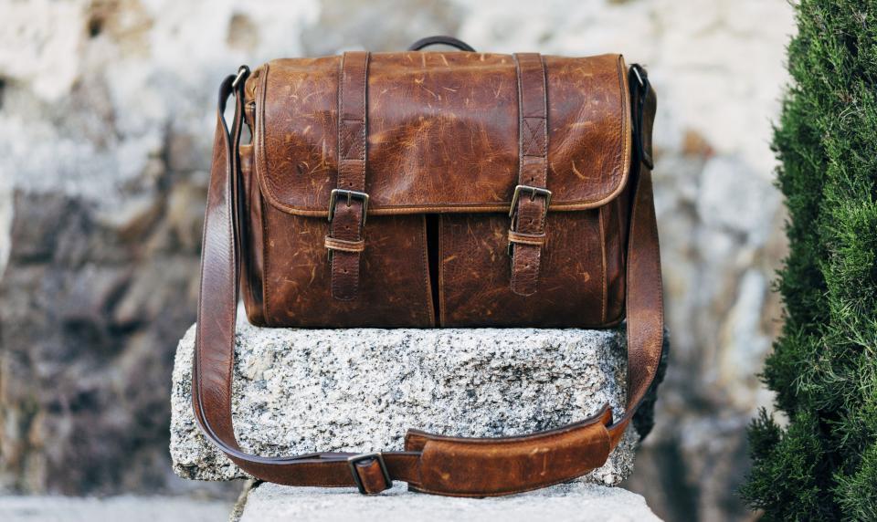bag leather pocket old gravel