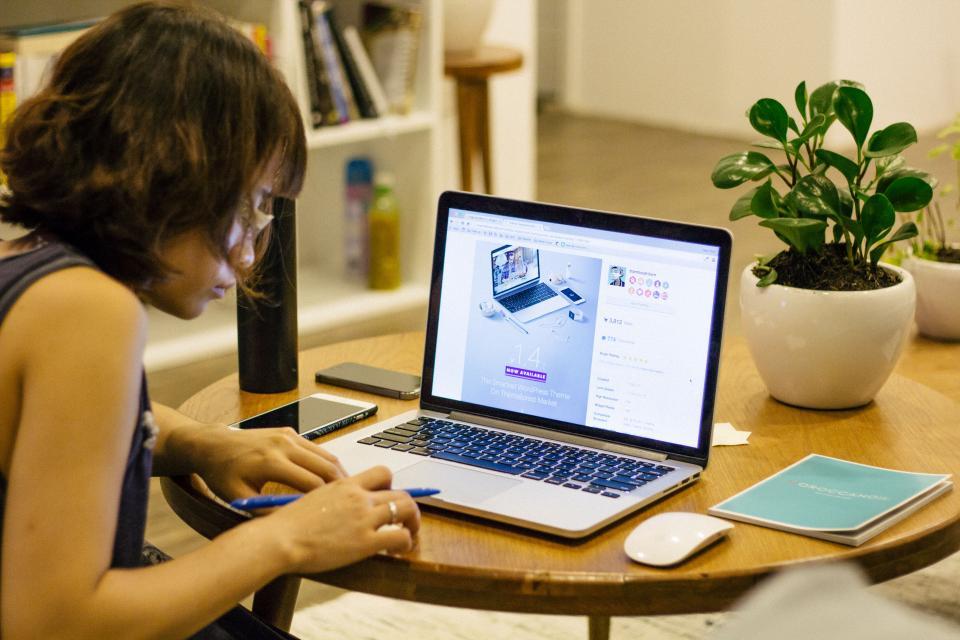 ノートパソコンのリンゴノートパソコンの研究ノートパソコンの研究ノートパソコンの宿舎のペンブロウノートパソコンペン