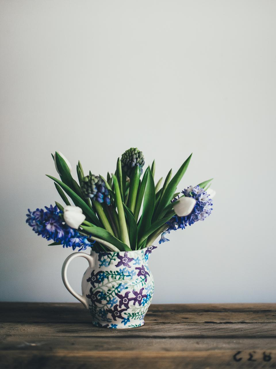 vase, flower, lavender, leaves, plant, small, wall, table, wood, autumn, petals, nature, bloom, decoration