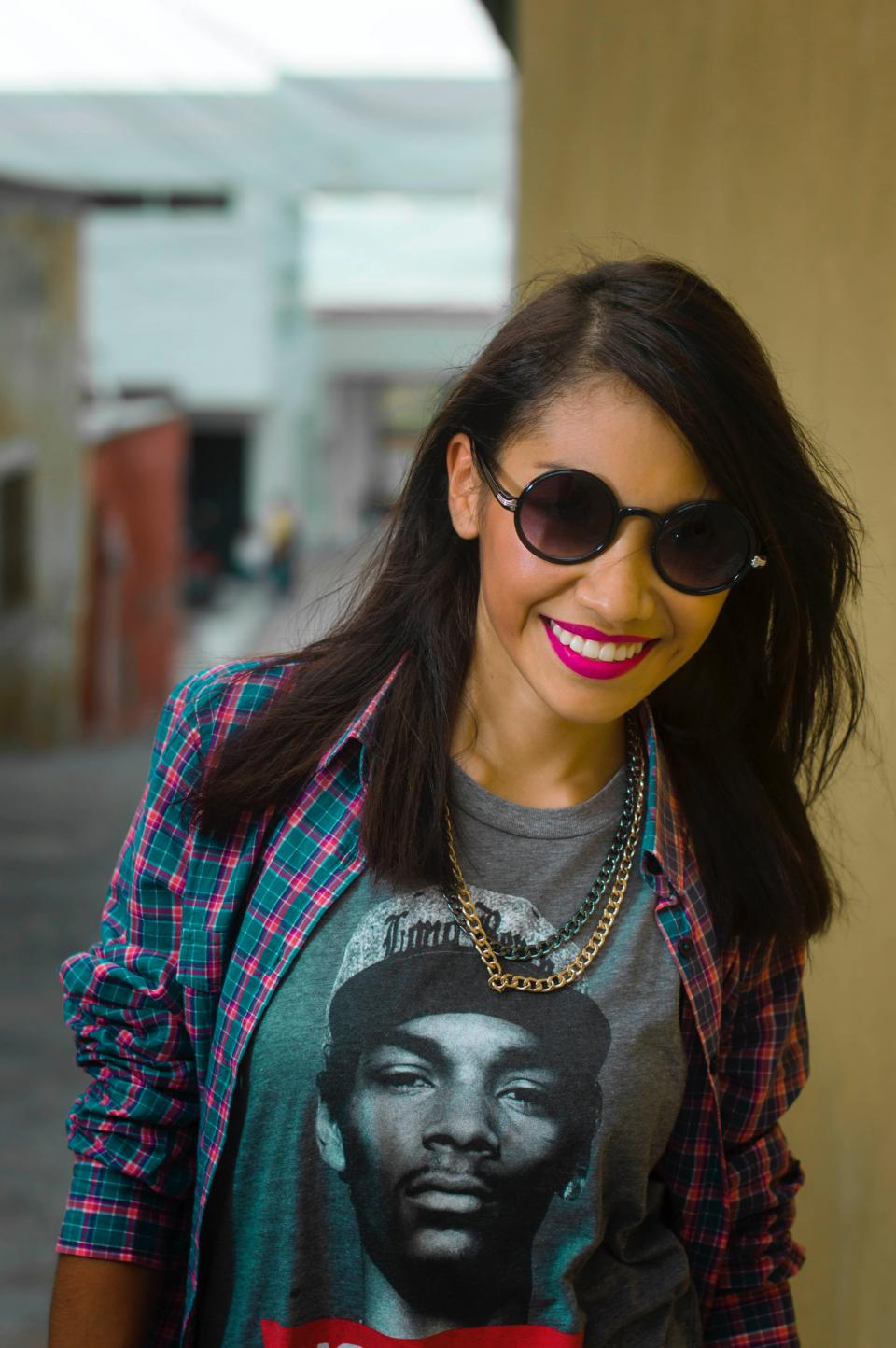 people, girl, fashion, clothing, model, makeup, lipstick, smile, happy, sunglasses, necklace