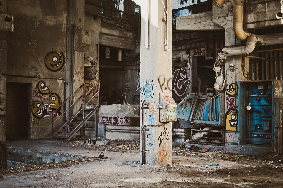 graffiti, spray paint, warehouse, industrial, equipment, pipes, pillars, abandoned, machinery, concrete