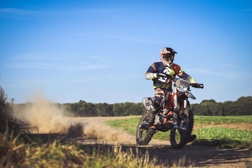 people, man, gear, bike, motorcycle, dirt, race