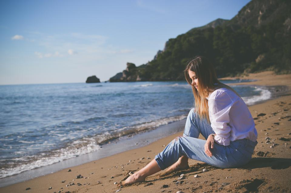 sea, ocean, blue, water, nature, wave, beach, shore, coast, people, woman, girl, thinking, alone, sad, horizon, blue, sky, trees, plant, outdoor