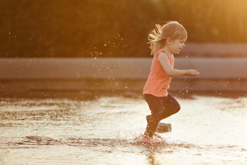 people, kid, child, happy, enjoy, water, splash, play, girl