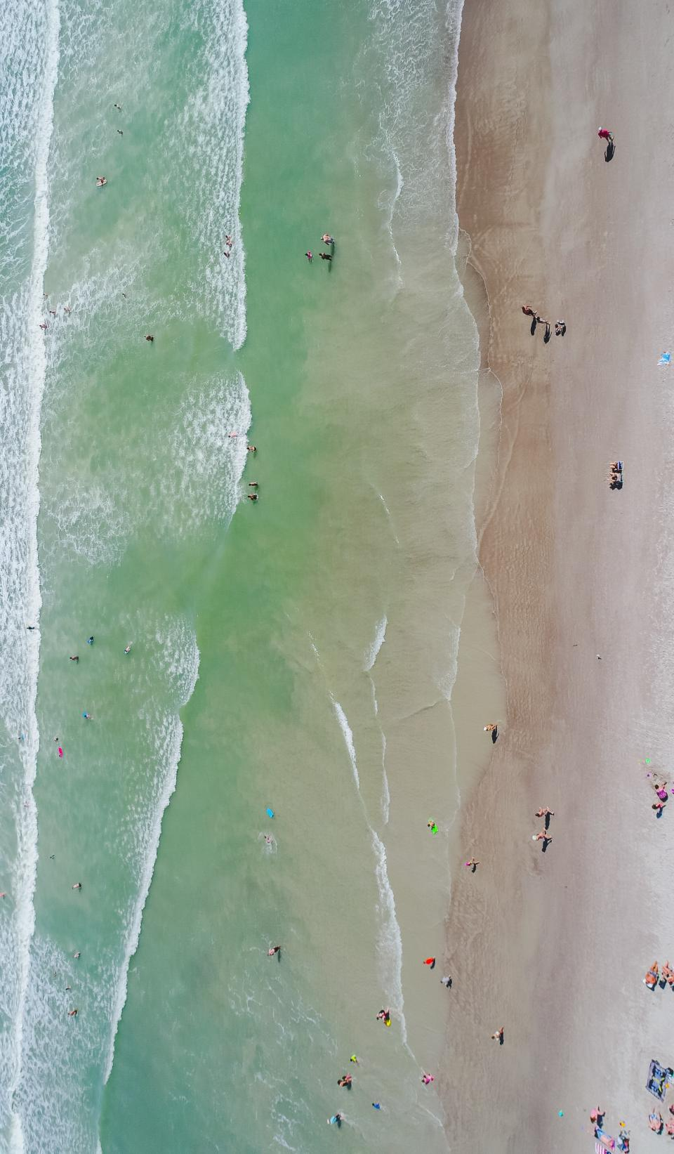 sea, ocean, water, waves, nature, beach, coast, white, sand, shore, people, crowd, family, friends, swimming, outdoor, summer, vacation, travel