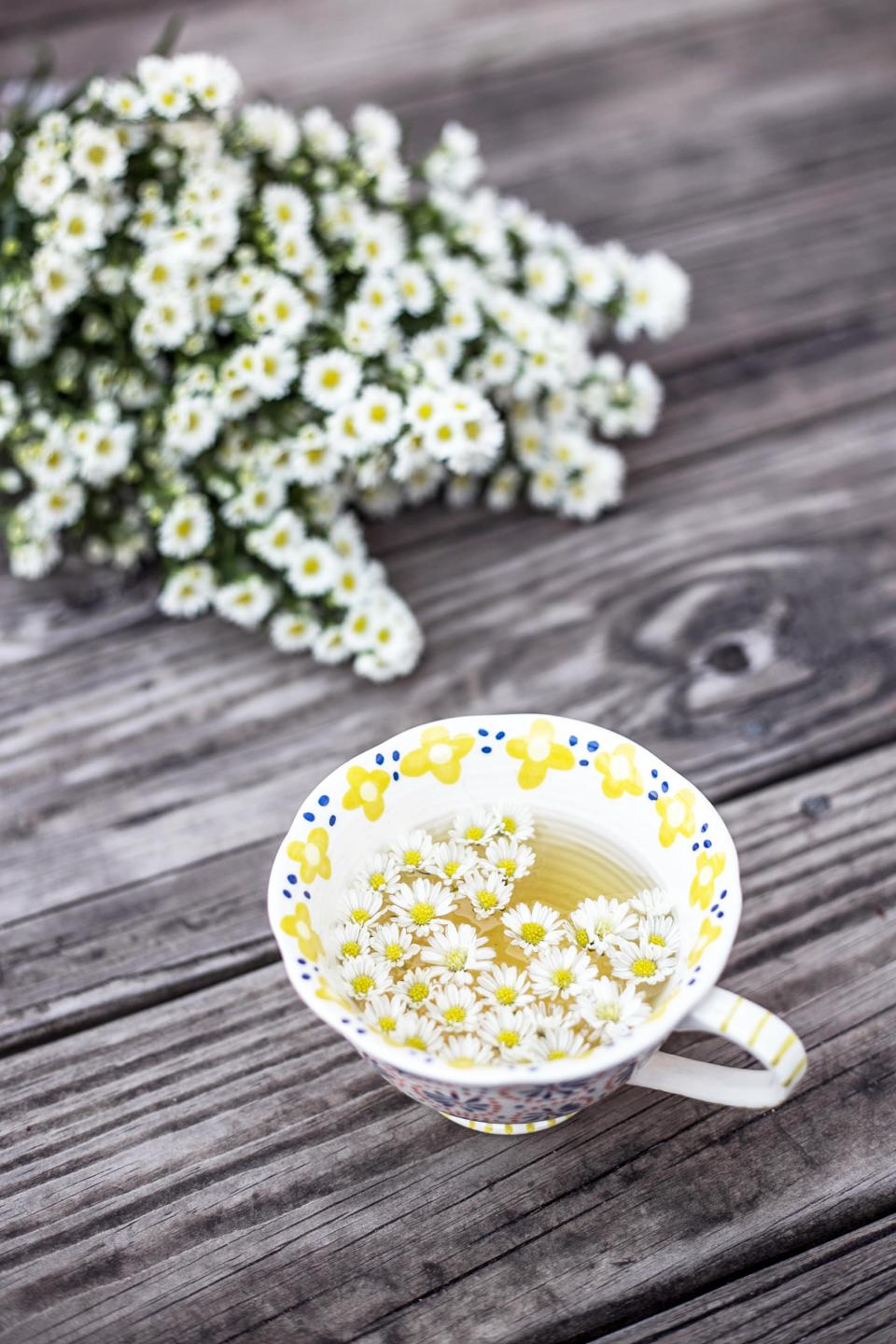 flowers, nature, blossoms, bouquet, white, petals, floating, submerged, water, cup, cute, adorable, wood, panels, table, still, bokeh, styling