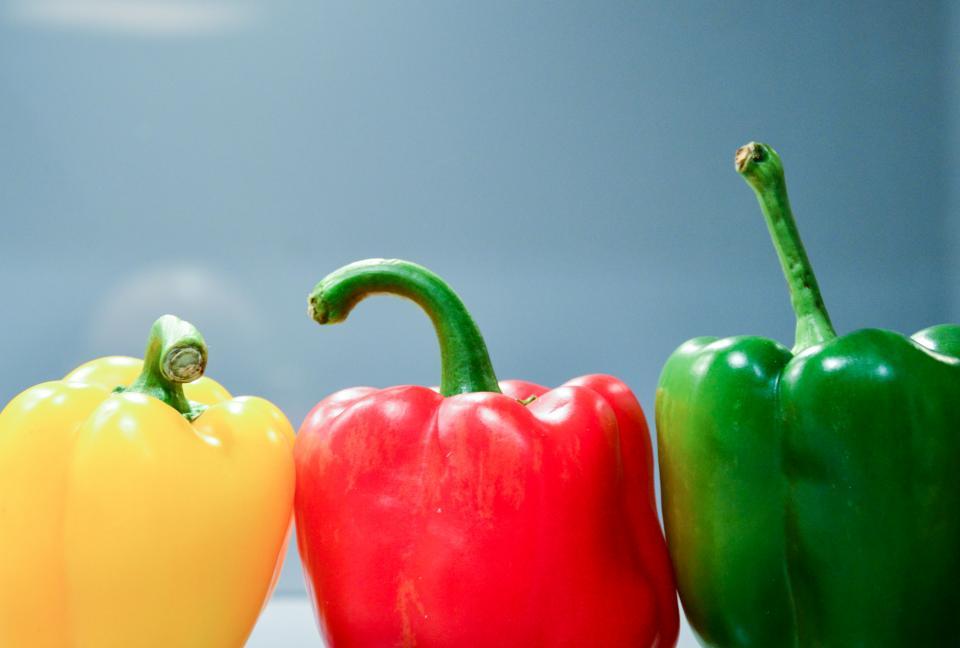 ピーマン野菜食品健康黄色赤緑色の色