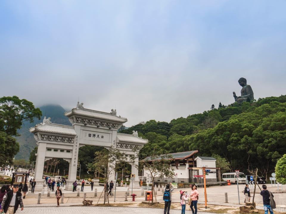 china, arch, tourist, spot, destination, tree, plant, nature, statue, sculpture, art, travel, people, crowd, family, friends, men, women, kids