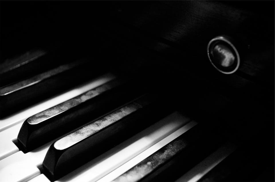 piano keyboard keys musical instrument black and white