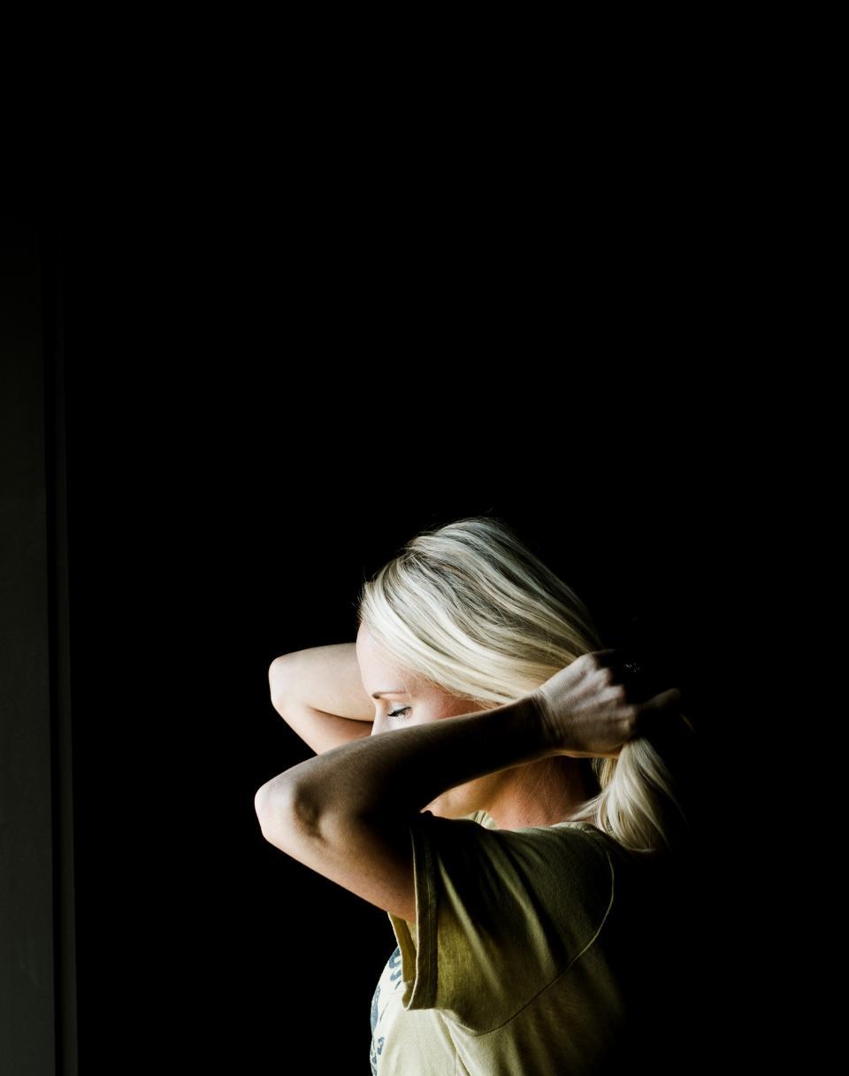 girl, woman, people, alone, hair, tie, simple, black, fashion, model
