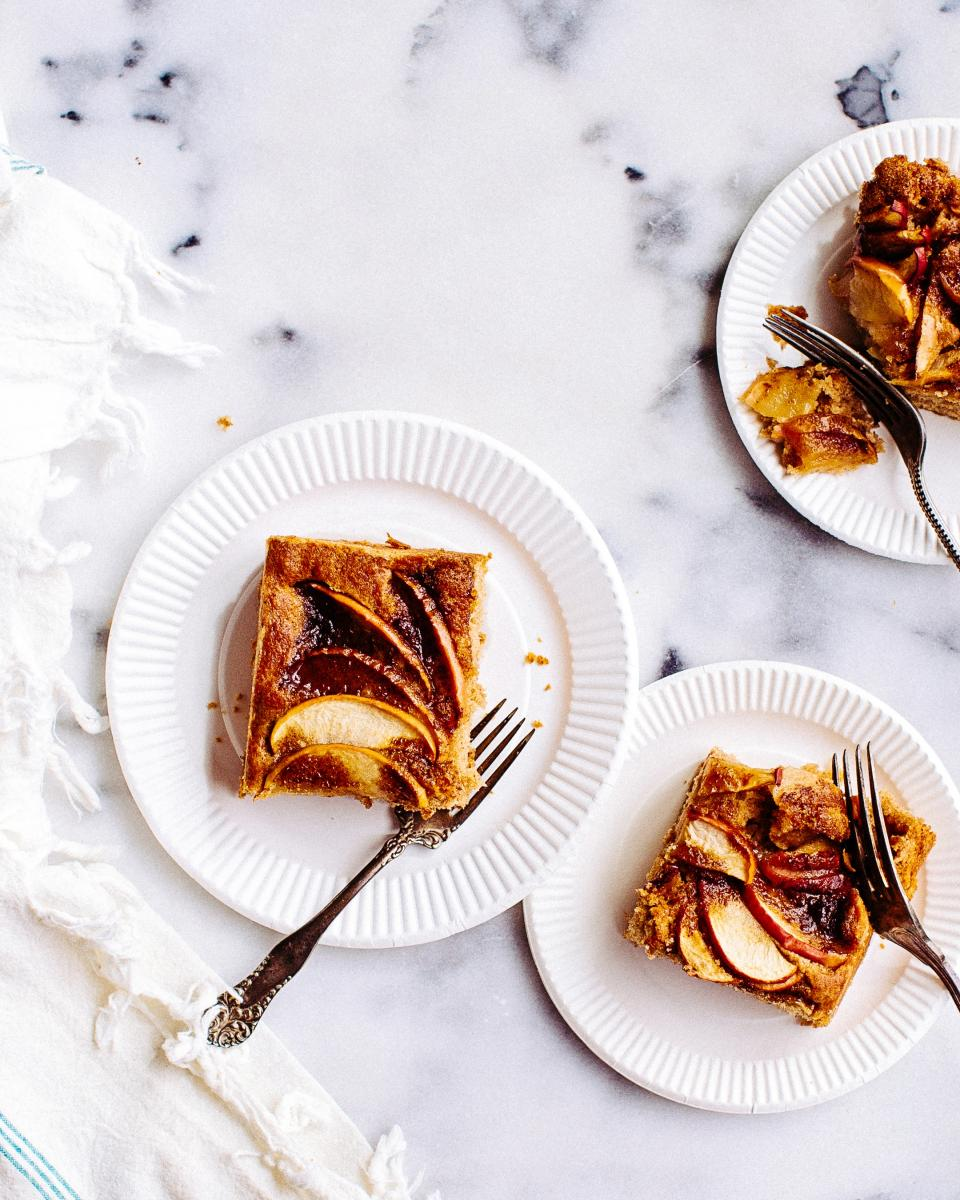 food, apple, pie, bake, dessert, cinnamon, slice, fork, plate