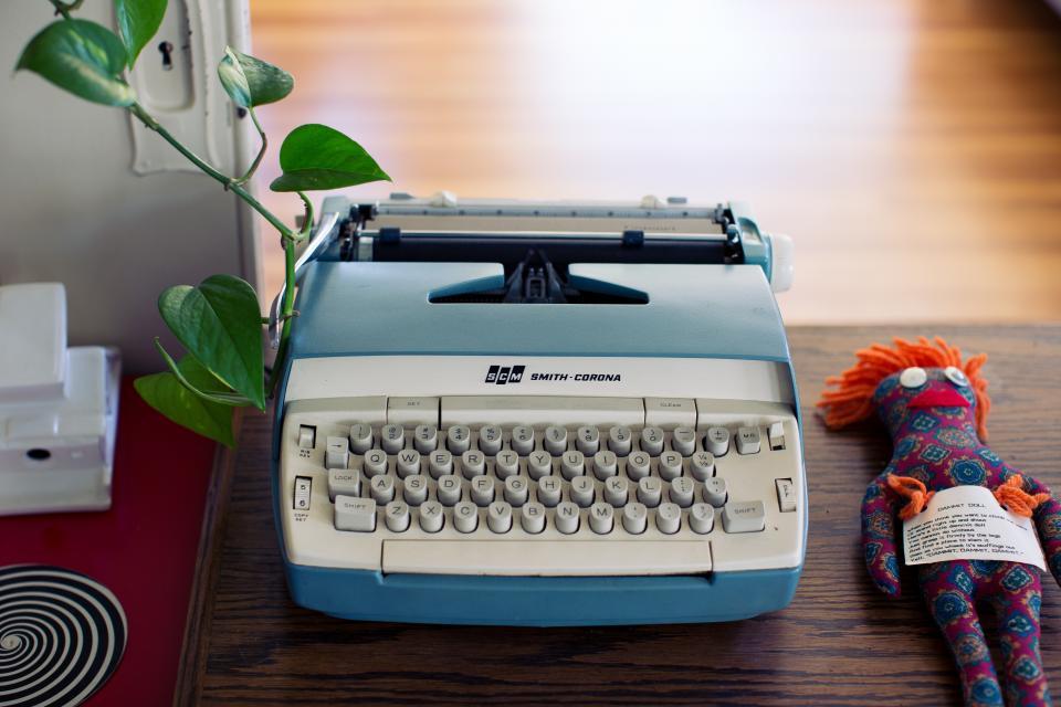typewriter writing office desk business doll