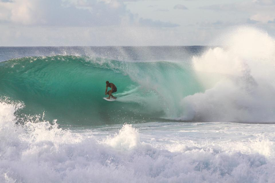 sky, sea, ocean, water, waves, crashing, people, man, surfing, surfer