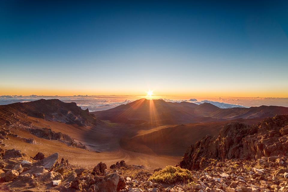 mountain highland sunlight sunrise sunshine sunset cloud sky rocks hill landscape horizon nature outdoor view travel