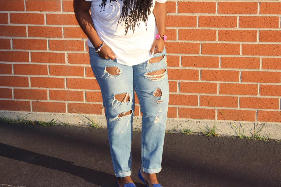 fashion, ripped jeans, denim, people, woman, accessories, wall