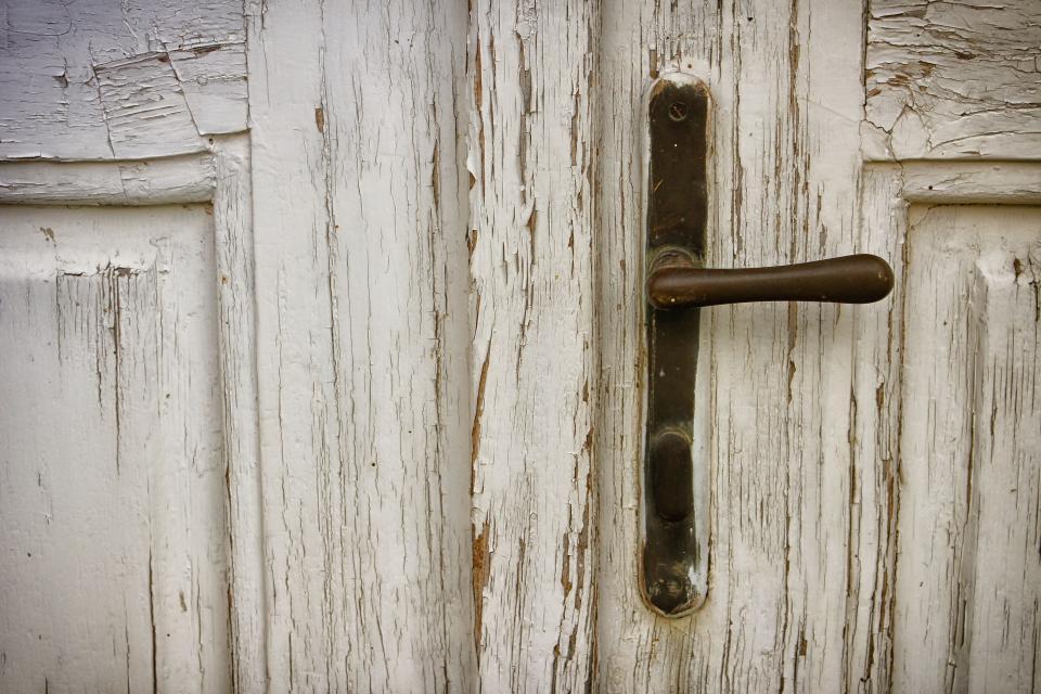 door, wood, door knob, house, home, family, old, paint