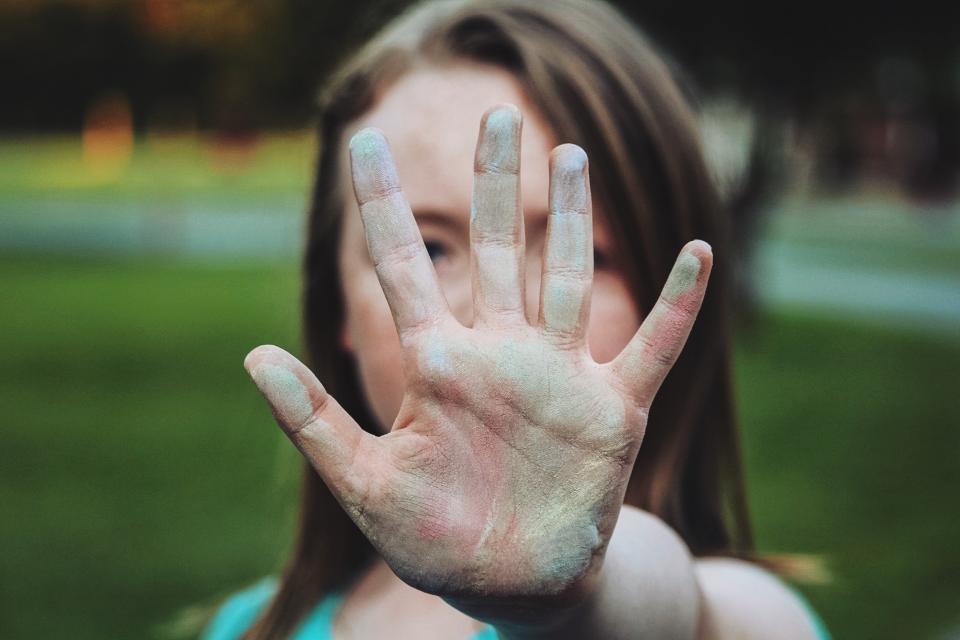 人々の子供手bokeh写真の痛みの色