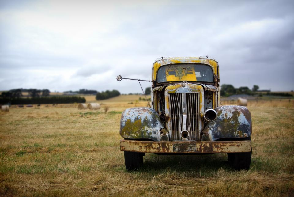 still, items, things, truck, old, rusty, grass, bushes, sky, clouds, horizon