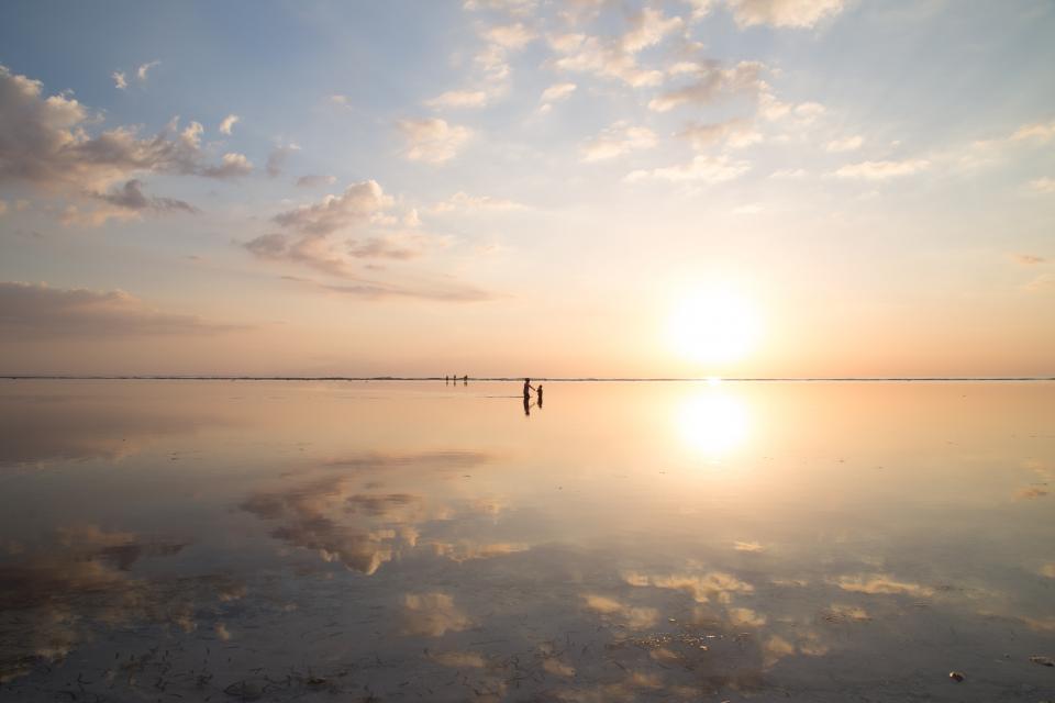 sea ocean water nature cloud sky horizon sunrise sunset reflection